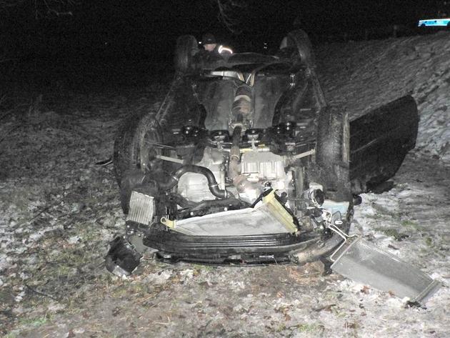 Takie są skutki jazdy po pijanemu - wypadek pod Kockiem.