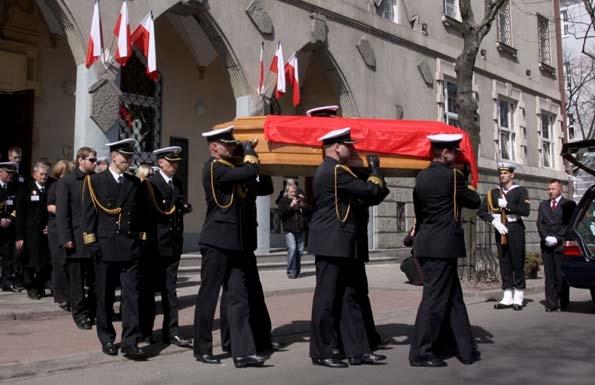 Mariola Karweta: Smoleńsk stał się sprawą medialną, polityczną, w której dominują kłamstwa