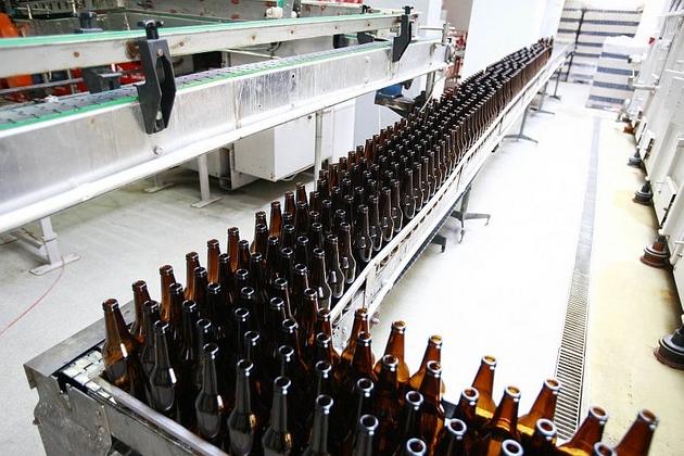 Lwówek Śląski: Piwo z lokalnego browaru trafia właśnie do sklepów