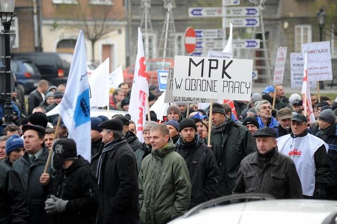 Pracownicy już w zeszłym roku protestowali przeciwko zwolnieniom
