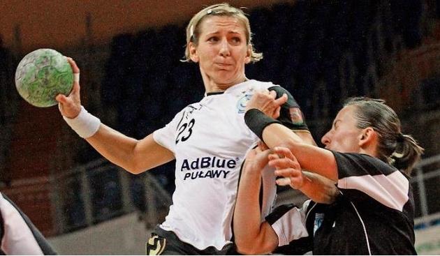 Spotkanie w Szekesfehervar zakończyło się efektowną bramką rozgrywającej Izabeli Puchacz, która trafiła z połowy boiska.