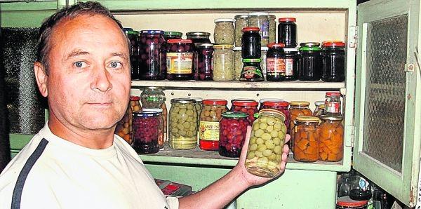 Remigiusz Braciszewski woli robić sam przetwory, które przygotowuje z własnych zbiorów