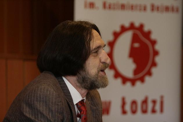 Dyrektor Nowego Zdzisław Jaskuła zapowiedział zmiany w teatrze.