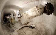 Ten potwór to kombajn do urabiania soli. 120-130 ton na godzinę...