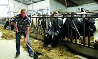 Swoją kwotę mleczną przekroczył m.in. Tadeusz Skrodzki ze wsi Cyprki, pomimo tego, że w trakcie roku kwotowego dokupił mlecznego limitu