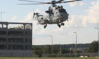 W czwartek około godziny 17 w Targach Kielce wylądował francuski helikopter  EC725 Caracal z Airbus Helicopter - jeden ze śmigłowców biorących udział w przetargu na dostawę dla polskich Sił Zbrojnych. Jest on jedną z pięciu takich maszyn, które prezentowane będą na targach zbrojnych.