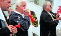 Związkowcy z Solino przez kilka lat słali pisma do premiera, teraz wyszli na ulicę