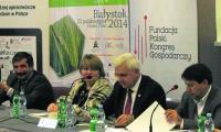 Jan Zawadzki (pierwszy od lewej) – producent mleka i przewodniczący RN SM Mlekpol, uważa, że polskie mleczarnie powinny się starać ze sobą współpracować, np. wspólnie realizować niektóre inwestycje