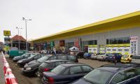 Nowy park handlowy mieści się  przy ul. Przeładunkowej 7 w Żarach.