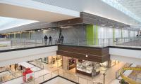 Na poziomie +2 w Galerii Echo w Kielcach trwaja prace budowlane przy adaptacji powierzchni pod potrzeby salonu Komfort.
