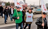 Między godziną 14.30 a 16 związkowcy z IKS Solino blokowali przejście dla pieszych na skrzyżowaniu ulic Staszica, Poznańskiej i Górniczej w Inowrocławiu. Co kilka minut przepuszczali stojące w korkach samochody.