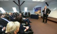 Roman Ramion, burmistrz Miastka, był jednym z prelegentów na konferencji o odnawialnych źródłach energii w Wyższej Hanzeatyckiej Szkole Zarządzania w Słupsku.