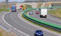 W pobliżu Świebodzina krzyżują się dwa ważne szlaki komunikacyjne: autostrada A2 i droga S3.