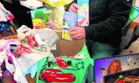 Zabawki, ubrania, obuwie sportowe z logo znanych, światowych marek zarekwirowali celnicy. Powód? To fałszywki. Zabezpieczono je w 7 sklepach.