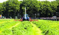 Pokazy Zielonej Gali dla wielu rolników były najważniejszym punktem imprezy, która odbyła się w miniony weekend w Szepietowie. Zaprezentowało się 58 zestawów maszyn zielonkowych