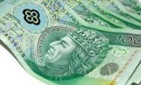 45-letni Grzegorz P. otwierał placówki franczyzowe Getin Banku, m.in. w Sępólnie Krajeńskim, Nakle i Żninie. Oferował klientom lokaty. Jednak to nie był interes ze znanym bankiem, tylko wyciągane z szuflady przez  umowy z jego firmą Duo Express. Właśnie został przyjęty pozew zbiorowy przeciw Getin Bankowi