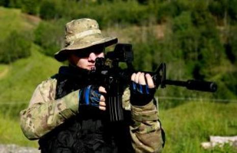 Zarobki w wojsku nie są niskie.  Nic więc dziwnego, że za pracą tutaj opowiada się coraz więcej młodych osób.