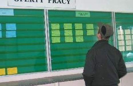 Urzędy pracy mają mniej ofert, bo zmieniły przepisy (fot. Paweł Janczaruk)