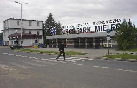 Wejście główne do mleleckiej strefy.