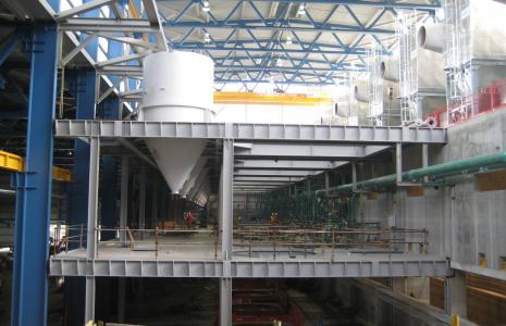 Obecnie Promostal realizuje między innymi duży kontrakt na wykonanie i montaż konstrukcji stalowej hali produkcyjnej huty magnezu w Porsgrunn w Norwegii.
