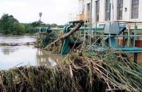 Elektrownia wodna w Sobolicach została przebudowana, by łatwiej było obronić ją przed wielka wodą. Nie udało się(fot. Mariusz Kapała)