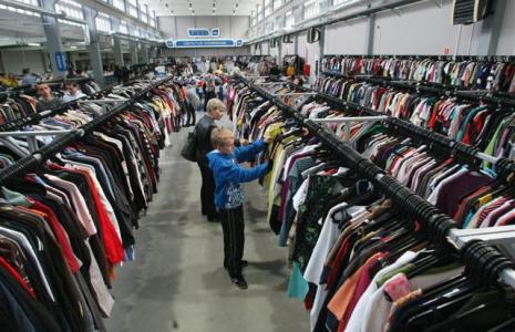 W nowym sklepie Proft Center można znaleźc codziennie 40 tysięcy sztuk odzieży