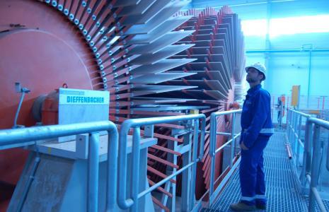 Urządzenia Kronospanu Szczecinek zużywają olbrzymie ilości energii elektrycznej.