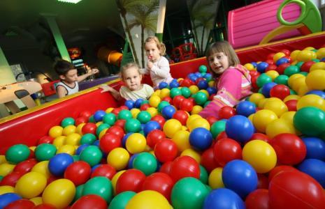 """""""Projekt Wyspa"""" to nowa sala zabaw dla dzieci w Słupsku i świetne miejsce na przyjęcie urodzinowe."""