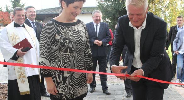 Edyta i Przemysław Kotowie z Bielin otworzyli pierwszą w powiecie kieleckim tłocznię soków.