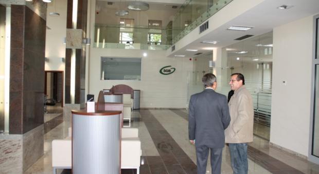 Nowa centrala banku o powierzchni 1,3 tys. m kw. powstała przy ul. Świerczewskiego w Wolinie.