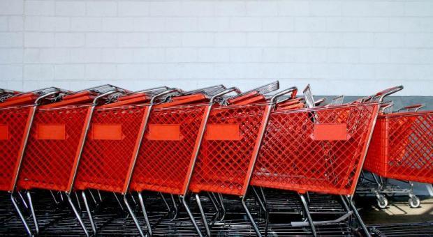 Rozwój sieci handlowych w kujawsko-pomorskiem nie podoba się właścicielom małych sklepików. Jednak sklepów tych pierwszych będzie nadal przybywać.