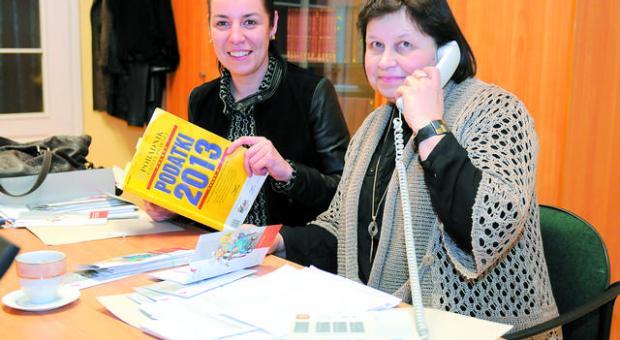 Na pytania Czytelników odpowiadały: Grażyna Kother (po prawej) oraz Katarzyna Bukowska-Knieć z Izby Skarbowej w Bydgoszczy.