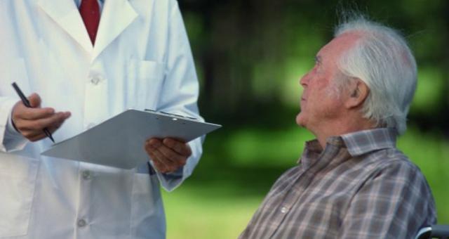 Żeby w ramach ulgi rehabilitacyjnej odliczyć koszty zabiegów czy leków, muszą one być niepełnosprawnemu niezbędne, czyli zalecone przez lekarza.