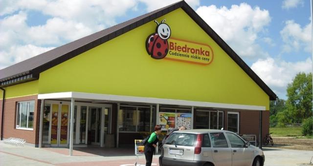 Market Biedronka w Redzikowie.