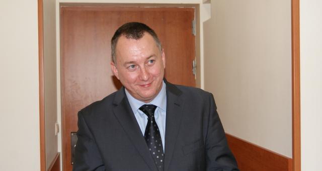 Zamierzam skonsolidować stocznie z korzyścią dla obu firm - zapowiedział wczoraj na spotakniu z dziennikarzami Lesław Hnat. Najpierw jednak muszę zrestrukturyzować Gryfię.
