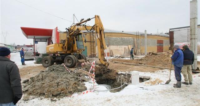 Rozpoczęły się już pierwsze prace przy budowie nowej fabryki. fot. Dawid Łukasik