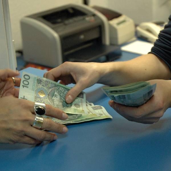 Łodzianka oszukana przez agencję pośrednictwa finansowego. Prowizja za anulowany kredyt