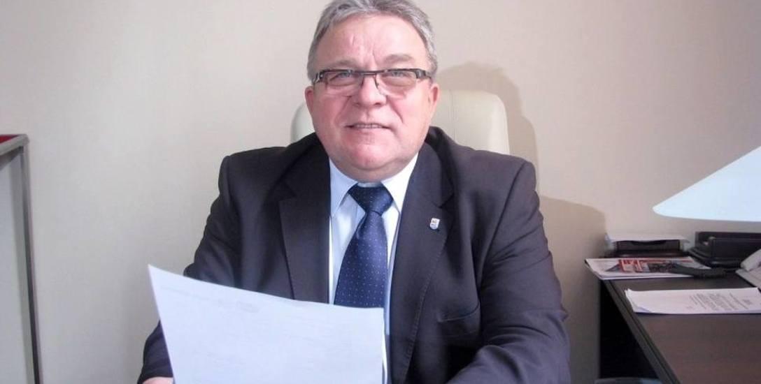 Opozycja wytyka prezydentowi Kołobrzegu, że nie korzysta z urlopu