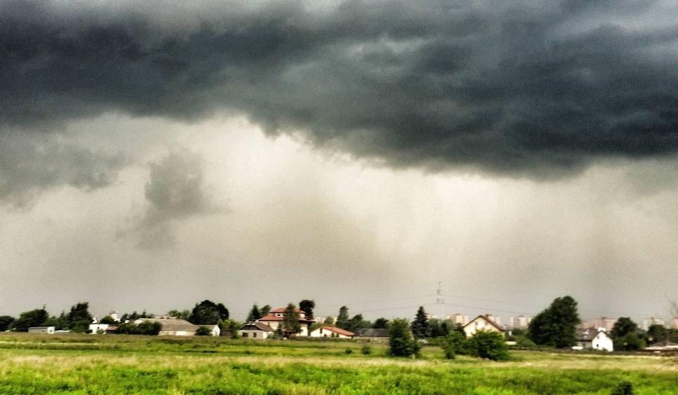 Film do artykułu: Prognoza dla woj. lubelskiego. Pogoda się zmienia. Synoptycy zapowiadają deszcze i burze