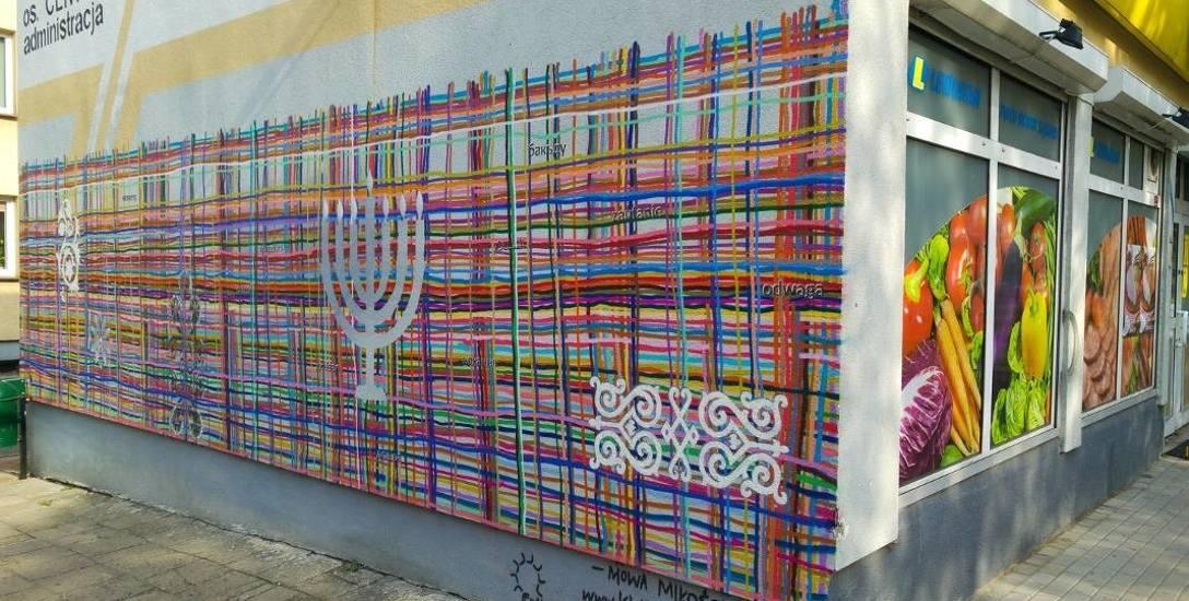 O wielokulturowości regionu traktuje m.in mural przy Al. Piłsudskiego