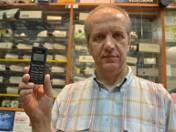 – Za pomocą takiego nadajnika można sprawdzić, gdzie w danej chwili jest nasz partner – mówi  Krzysztof Łosiak.