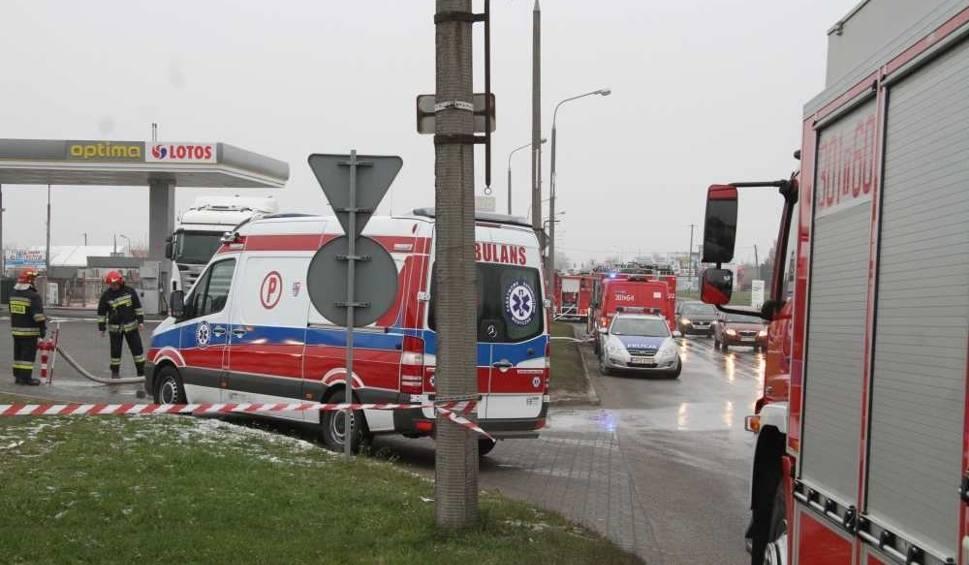 Film do artykułu: Rozszczelniony zbiornik LPG i ewakuacja na stacji paliw w Kielcach