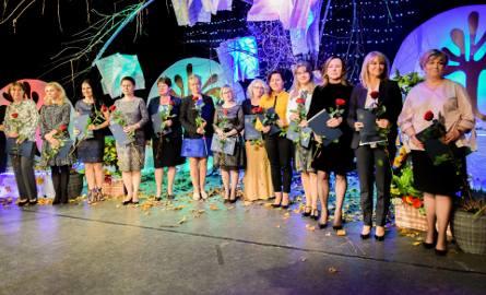 Awanse i nagrody dla nauczycieli z Tarnobrzega z okazji Dnia Edukacji Narodowej (ZDJĘCIA)