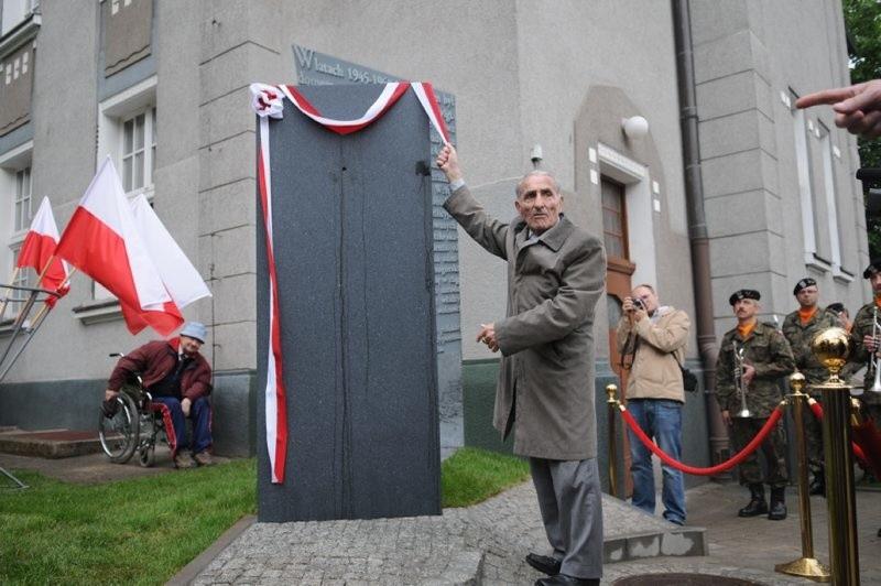 Pomnik odsłonił Krzysztof Donabidowicz