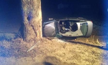 Jeden kierowca nie żyje, kila osób jest rannych - to bilans zdarzeń drogowych na naszych drogach z minionego weekendu. Policjanci biją na alarm: Noga