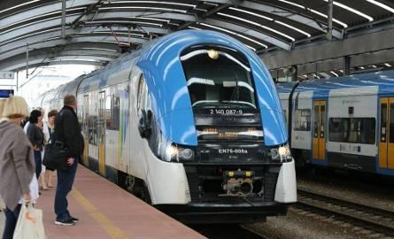 Z powodu awarii urządzeń sterowania ruchem kolejowym PKP PLK (awaria po burzy) na stacji Katowice były opóźnienia pociągów