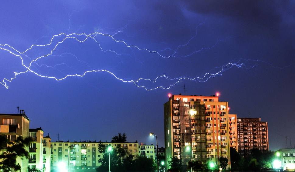 Film do artykułu: Gdzie jest burza? Radar burzowy online, aktualne mapy burzowe i ostrzeżenia IMGW