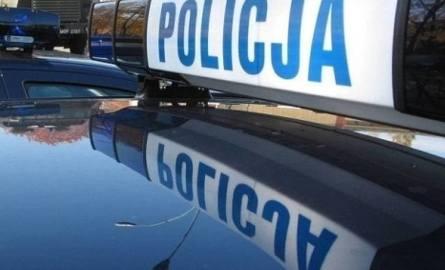 Policjant został ranny podczas ratowania samobójcy w Ogrodzieńcu