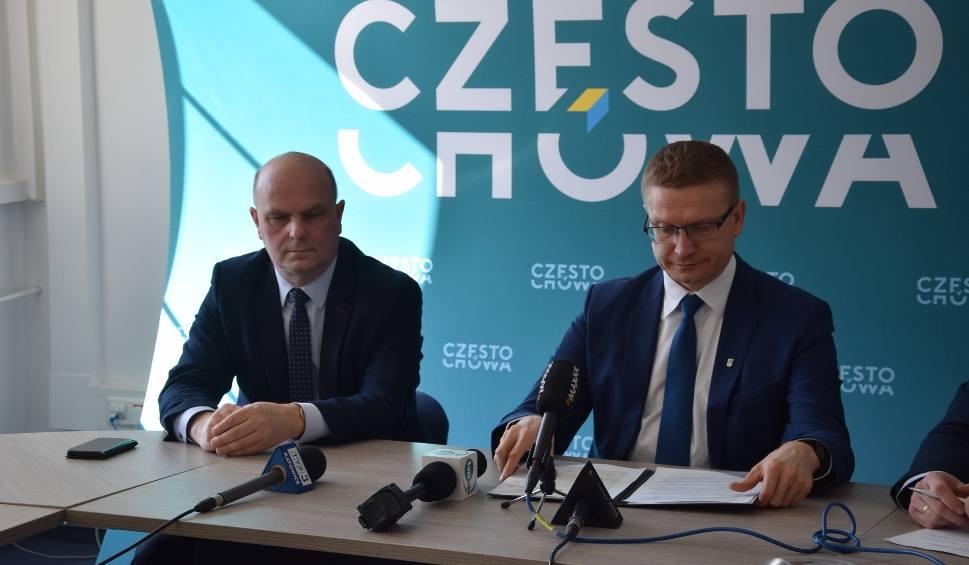 Film do artykułu: Koronawirus w Częstochowie: Mieszkańcy czekają 4 dni na wyniki. Prezydent miasta apeluje do MZ o uruchomienie dodatkowego laboratorium