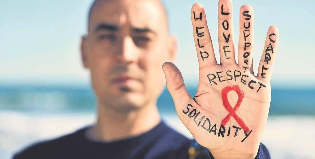 Ręce w górę za profilaktyką HIV to hasło Światowego Dnia AIDS
